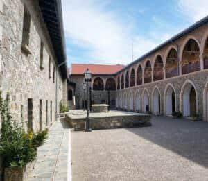 экскурсии по Кипру в монастырь Киккос
